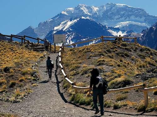 Aconcagua day hike Mendoza Argentina itinerary